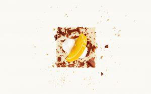 Stück Joghurt-Sahneschnitte mit Orange