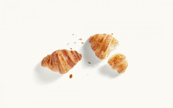 Zwei Mini-Croissants abgebrochen