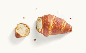 Ein Laugen-Croissant